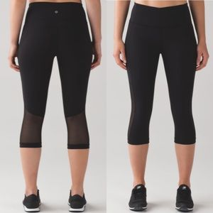 LULULEMON Gear it Up Solid Black Crop Legging